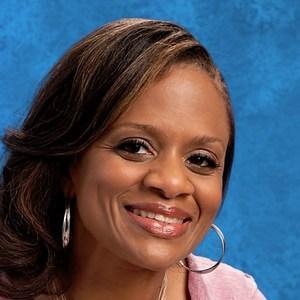 Elizabeth Webb's Profile Photo