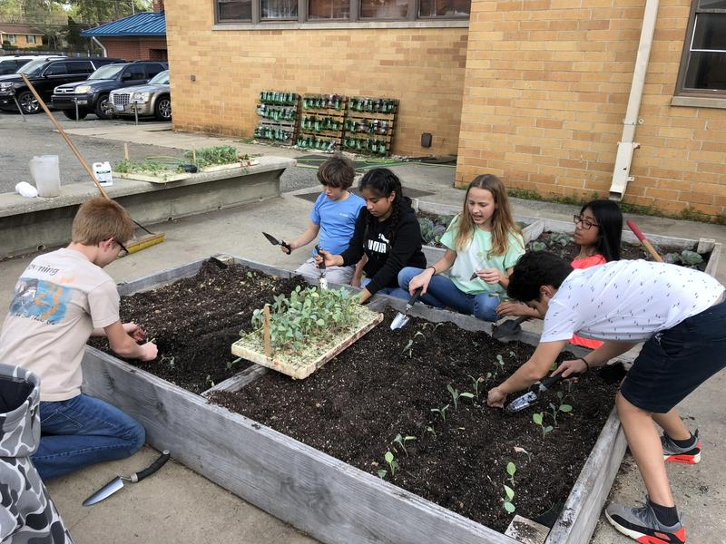 ESMS Ag students getting ready for summer gardens Featured Photo