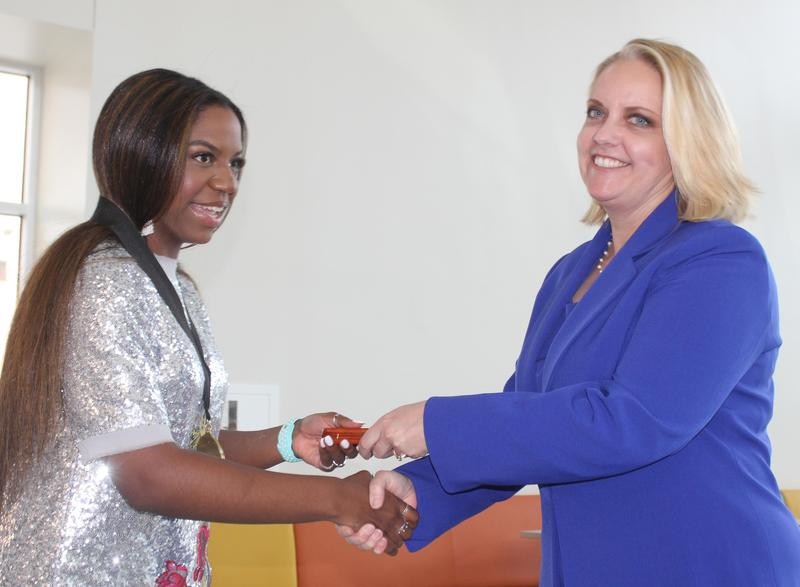 Top Ten Percent Graduates congratulated by Pinnacle Bank representative
