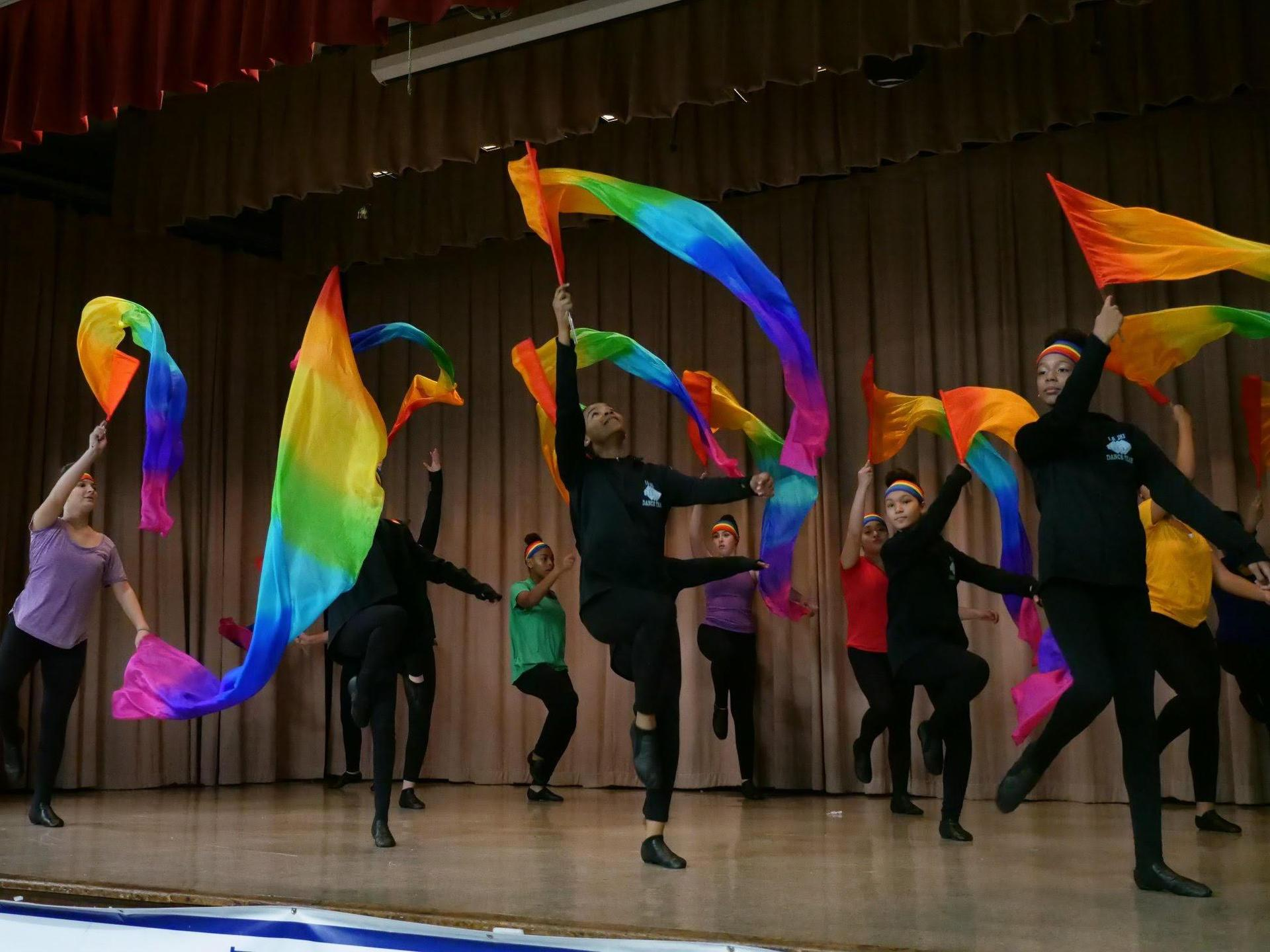Fine Arts - Dance - Photo - Performance
