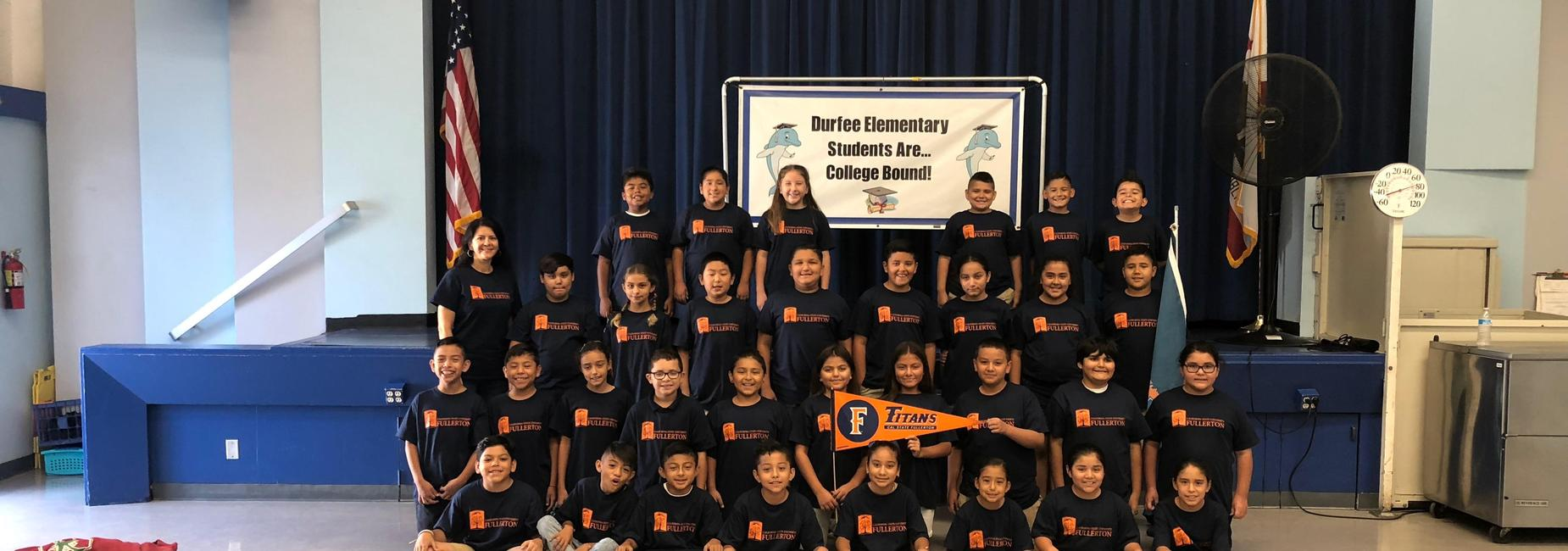 Students with Cal State Fullerton College Shirts