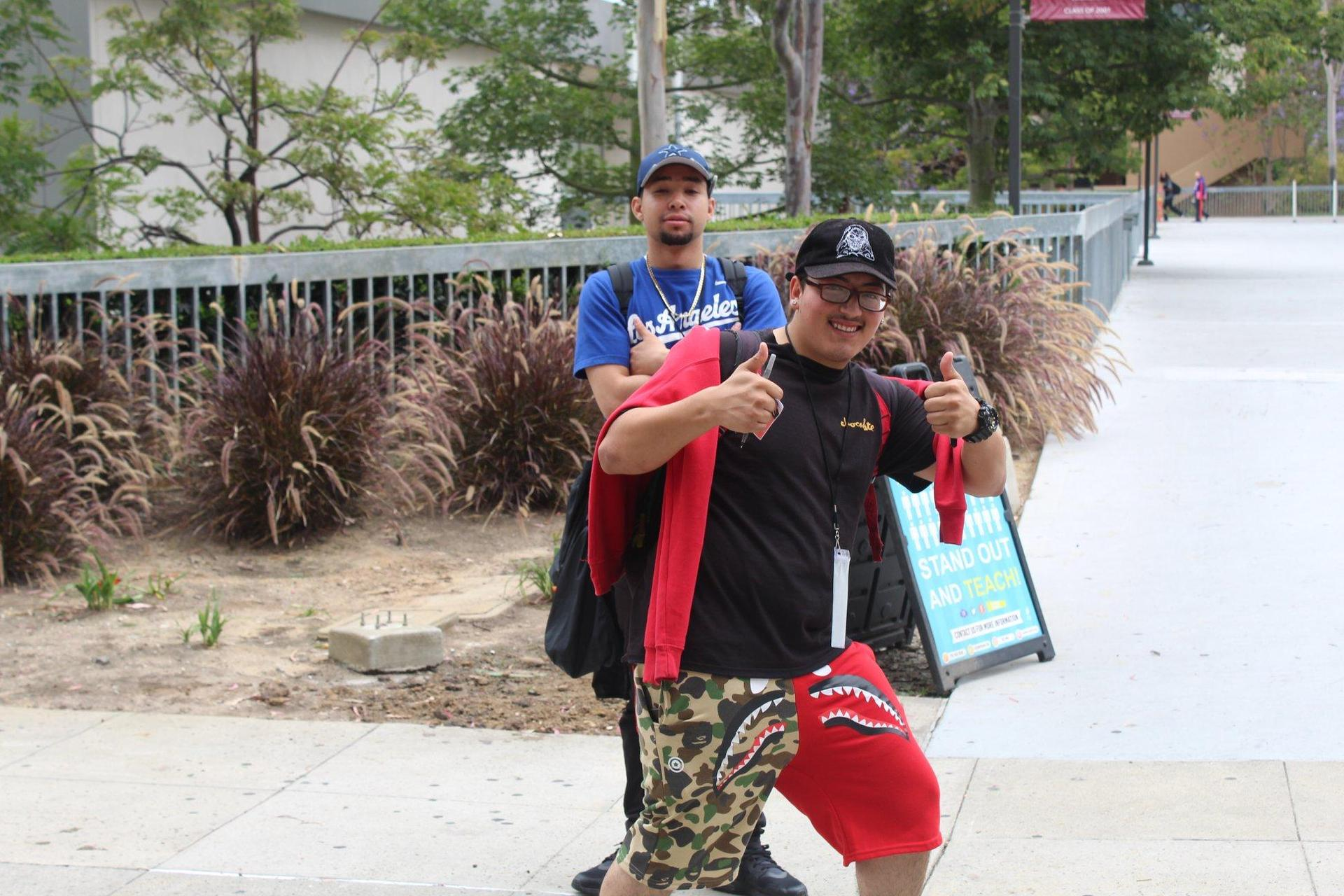 Two LA CAUSA students on a college tour