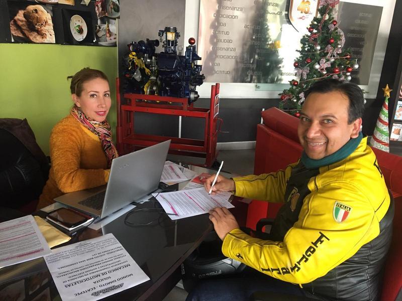 Firma de convenios para el área de motos Featured Photo