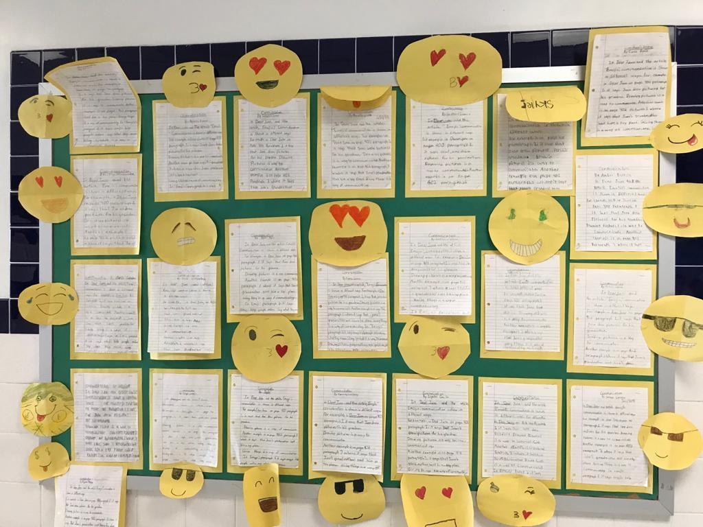 love emojii's writing activity display