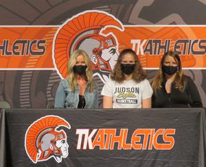 Haven Beyer will play basketball at Judson University.