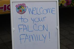 SIGN SAYING WELCOME