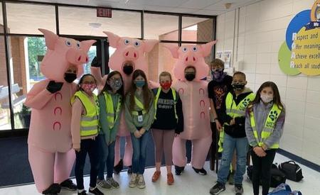Safety Patrol and 3 Piggies are ready for spring break!