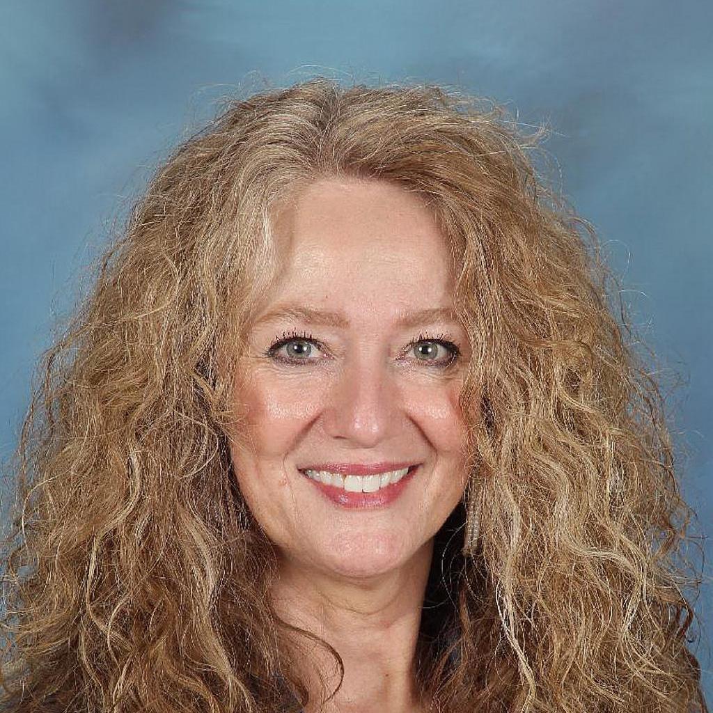 Helen Castevens's Profile Photo