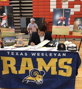 CHS Damian Carreon Signing Day