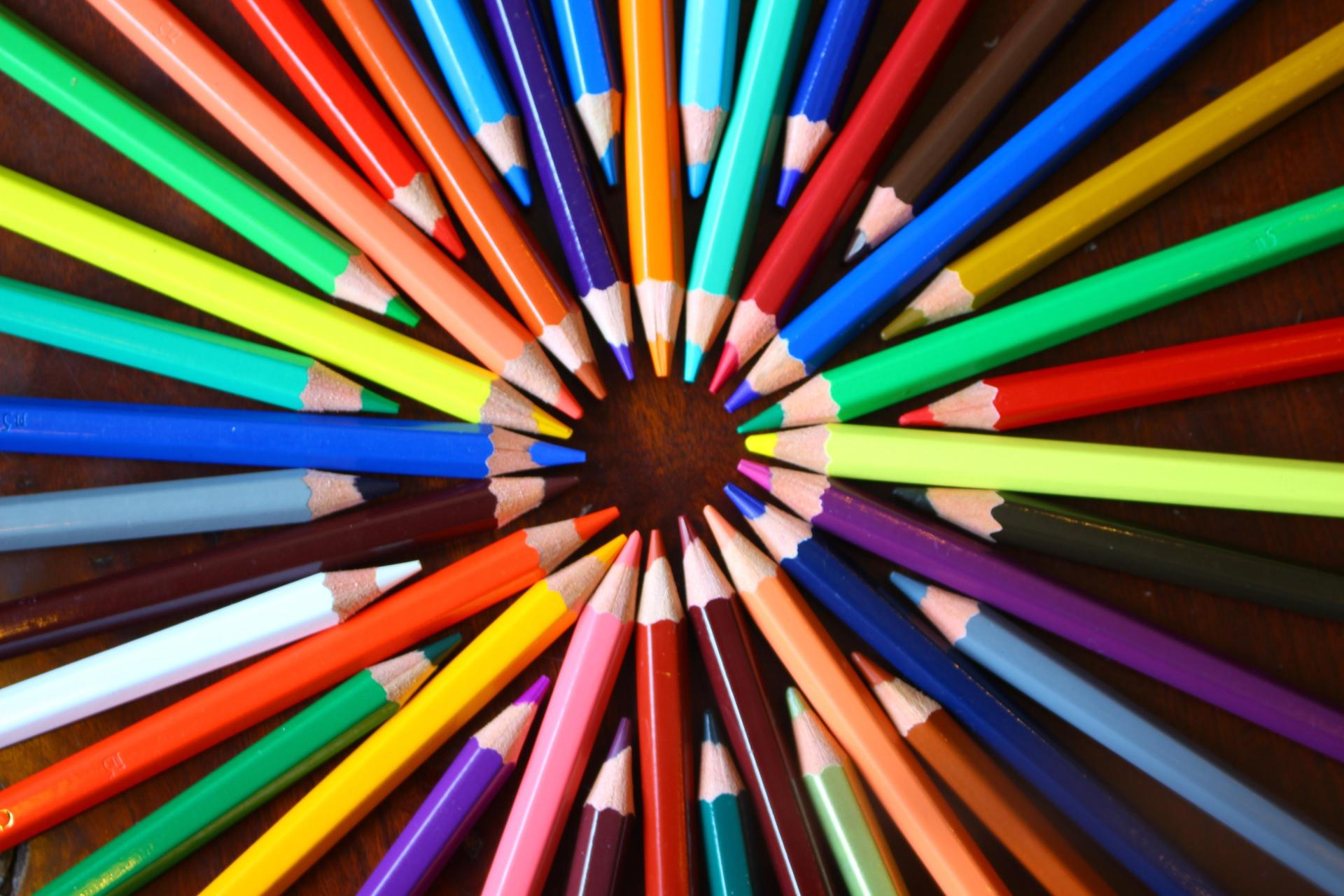 Picture of different color pencils in a circle