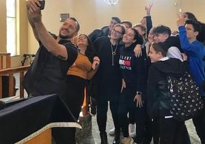 Dror Zicherman with Students