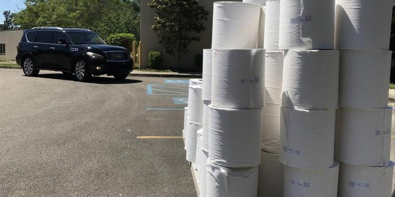 WDAM - HPSD hands out donated paper towels to families getting school meals Featured Photo