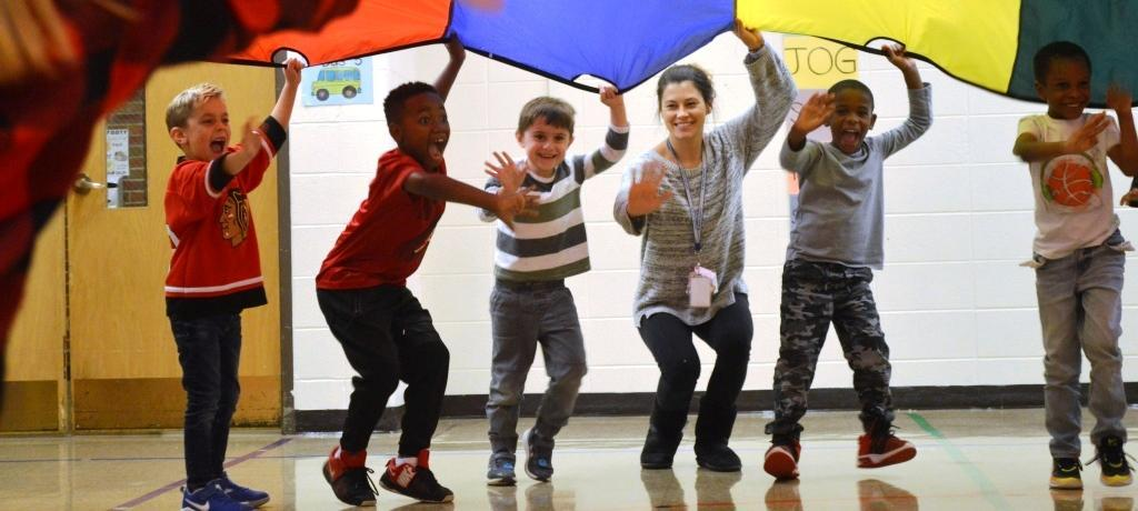 parachute play in Willow PE