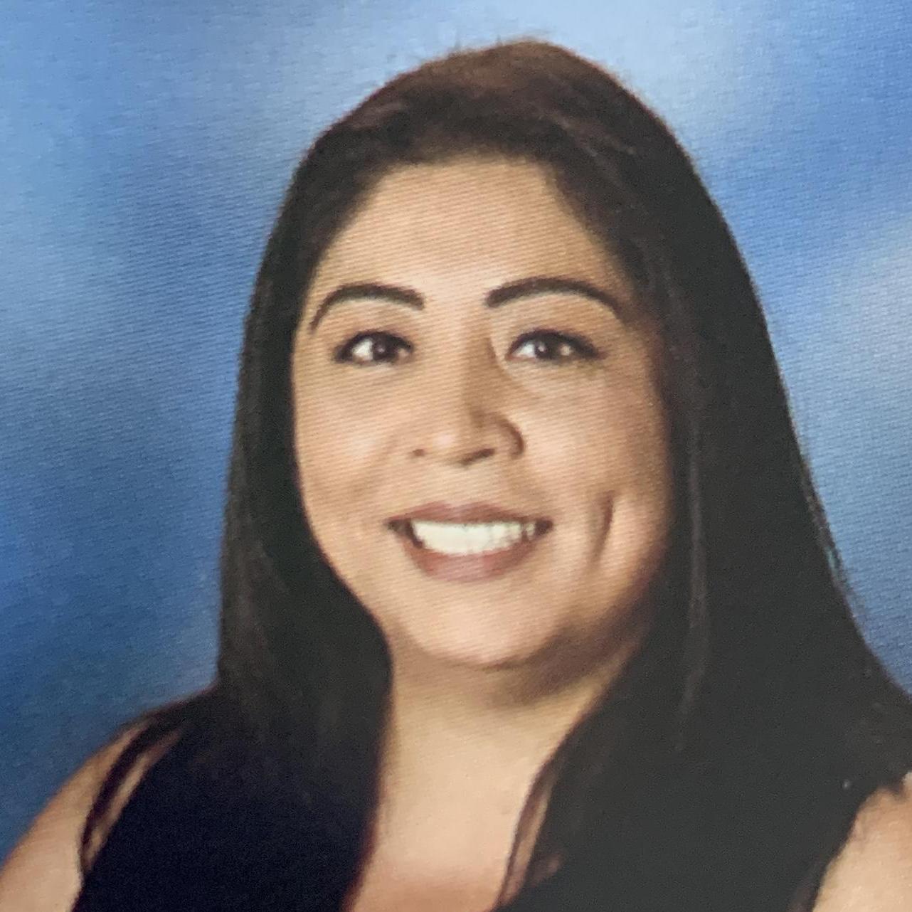 Cruz Nieves's Profile Photo
