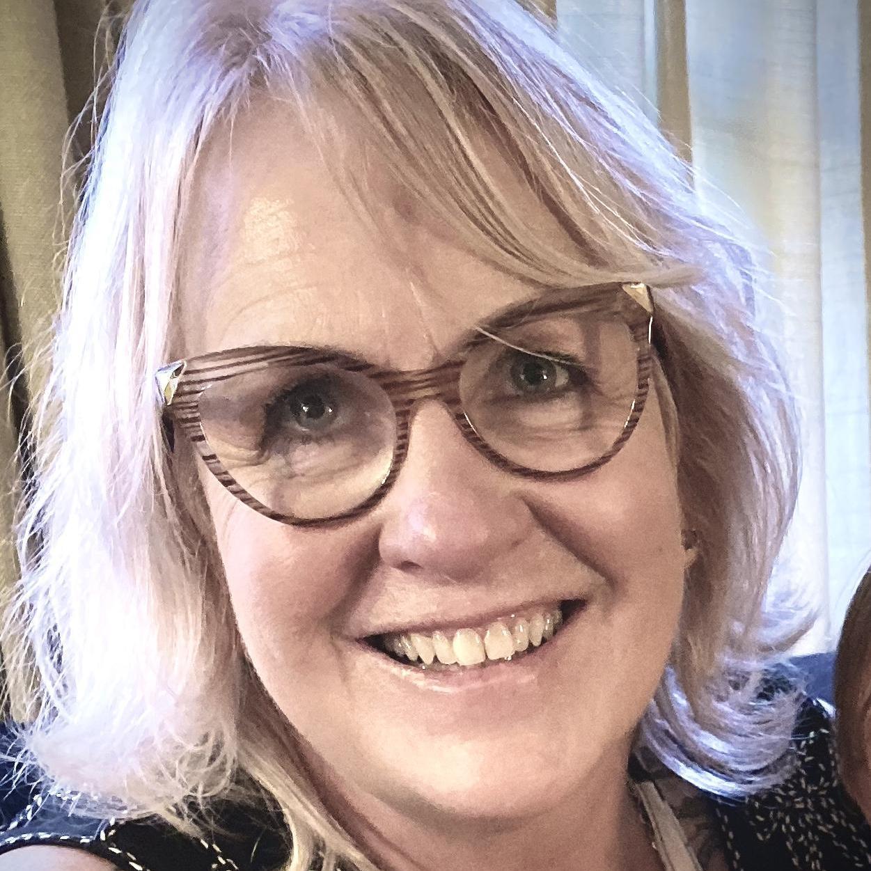 Carolyn Bueno's Profile Photo