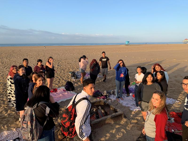 While most of us were still sleeping, SEEO seniors woke up early in the morning to celebrate the start of their final year of high school. #proud2bepusd #SEEO #Pomona