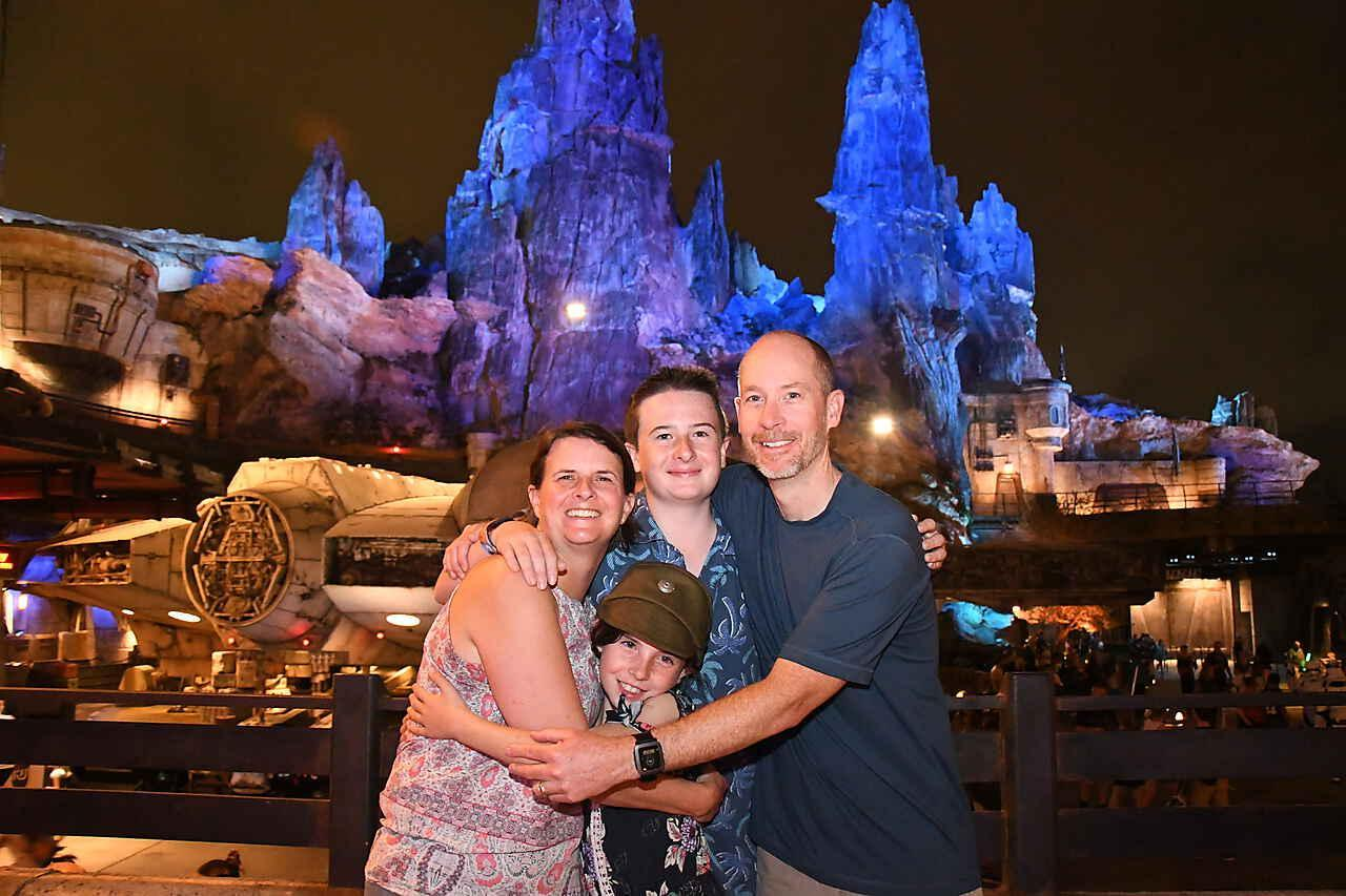 Huey Family Picture at Galaxy's Edge in Walt Disney World