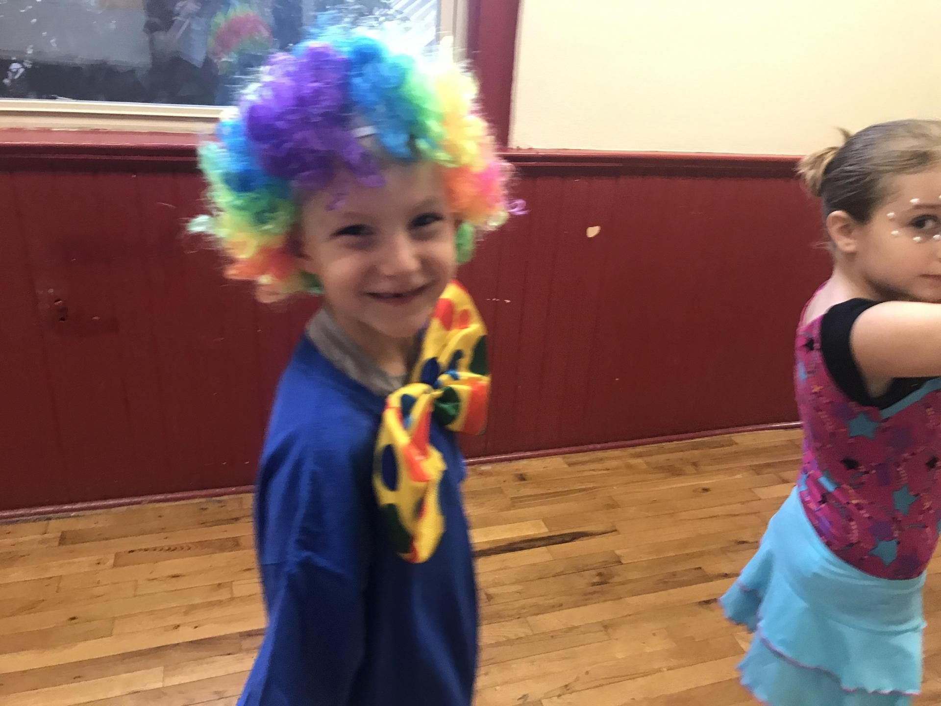 Cole in Circus, Circus performance.