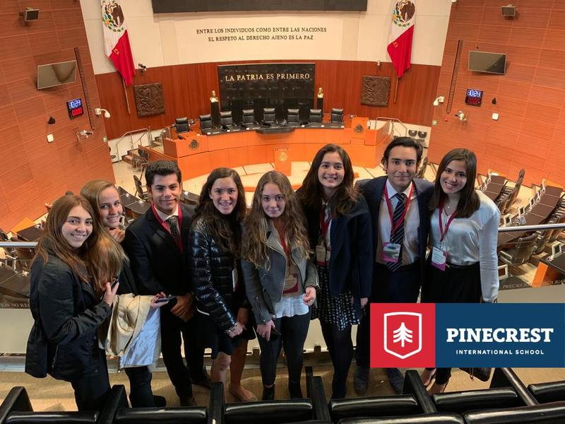 Alumnos de preparatoria de Pinecrest International School visitan el Senado de la República Featured Photo