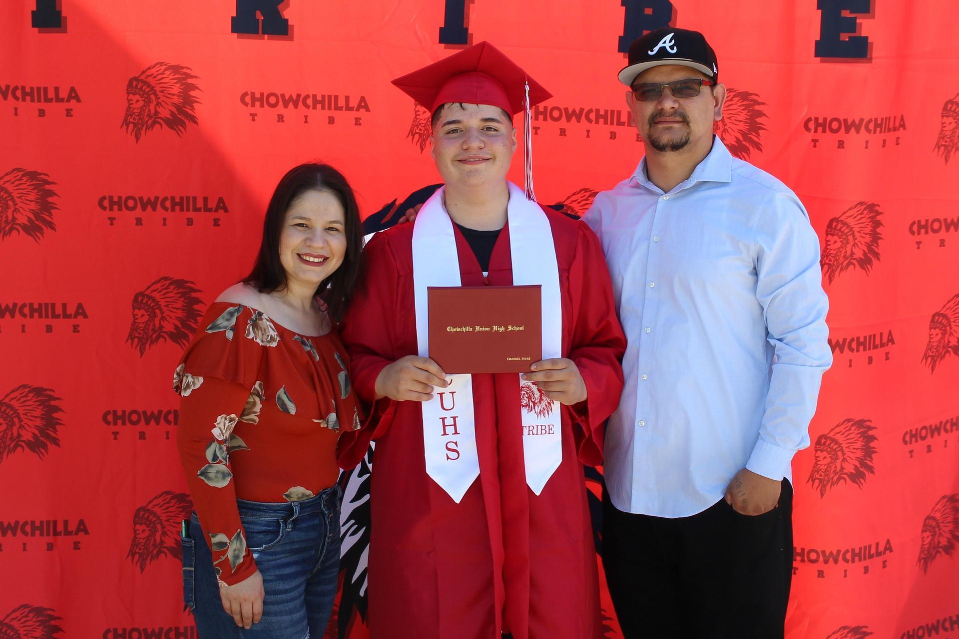 Emanuel Rivas and family