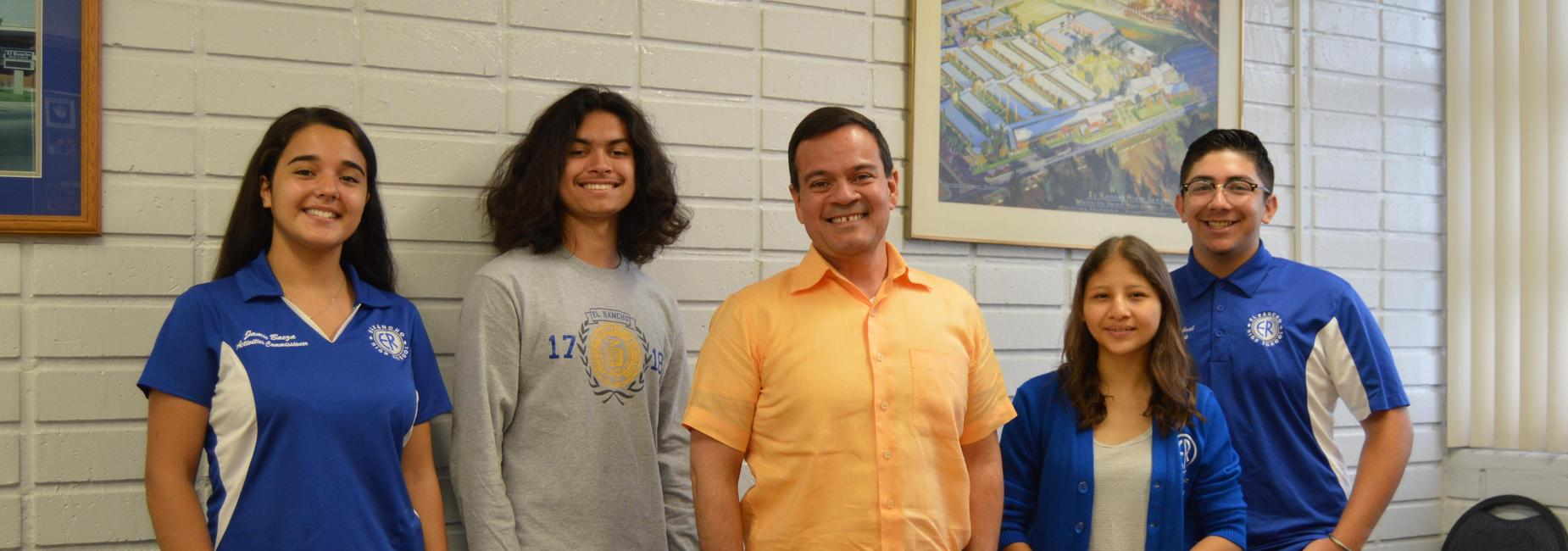 ERHS Students with Superintendent
