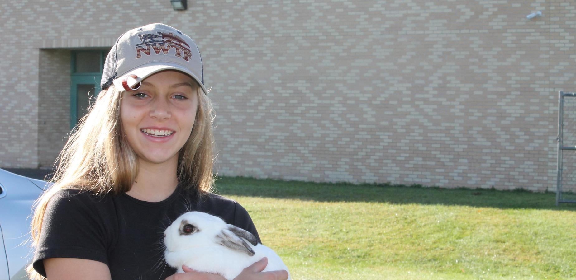Ridgeway showing a bunny