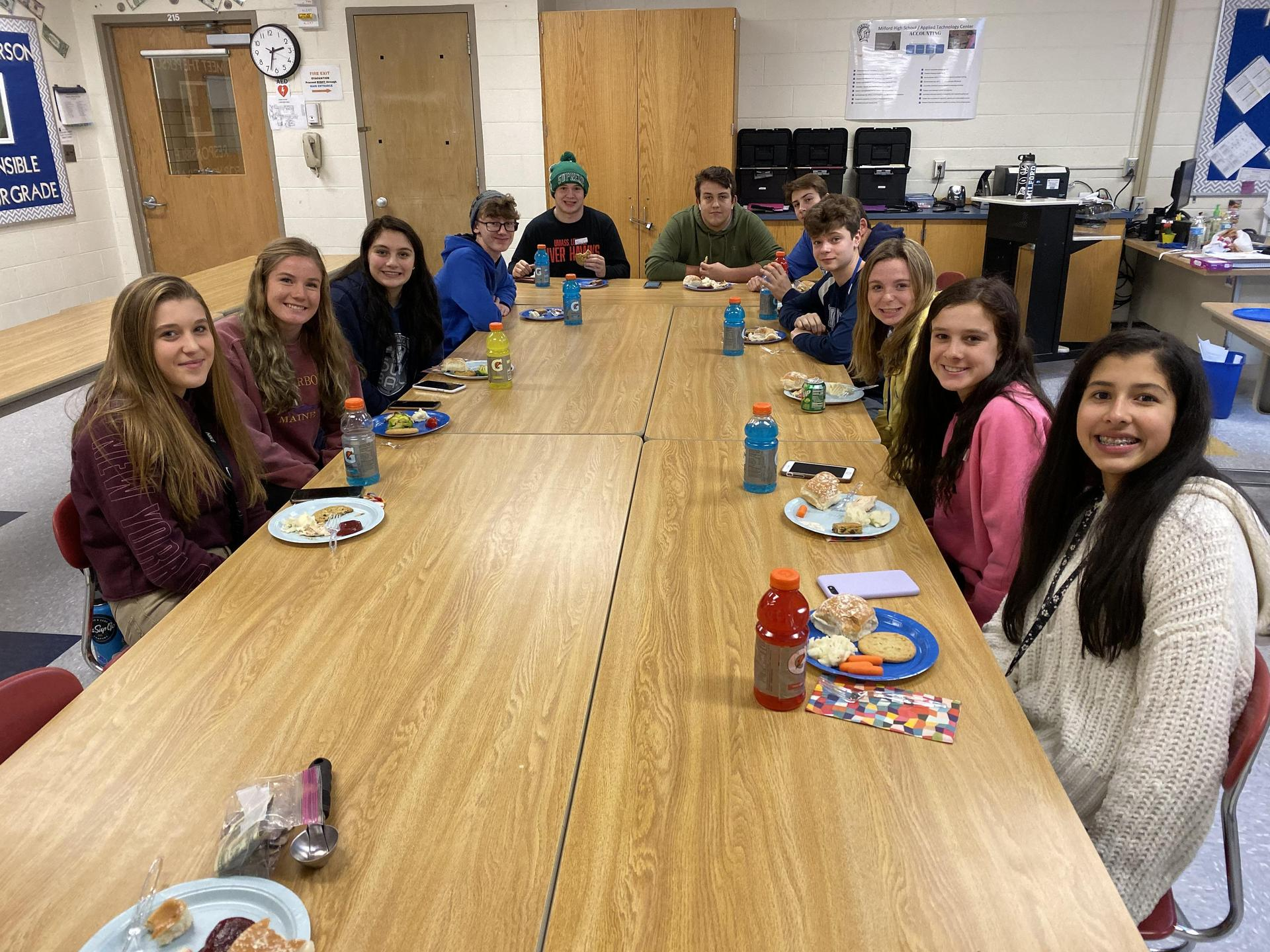 Students eating Thanksgiving meal
