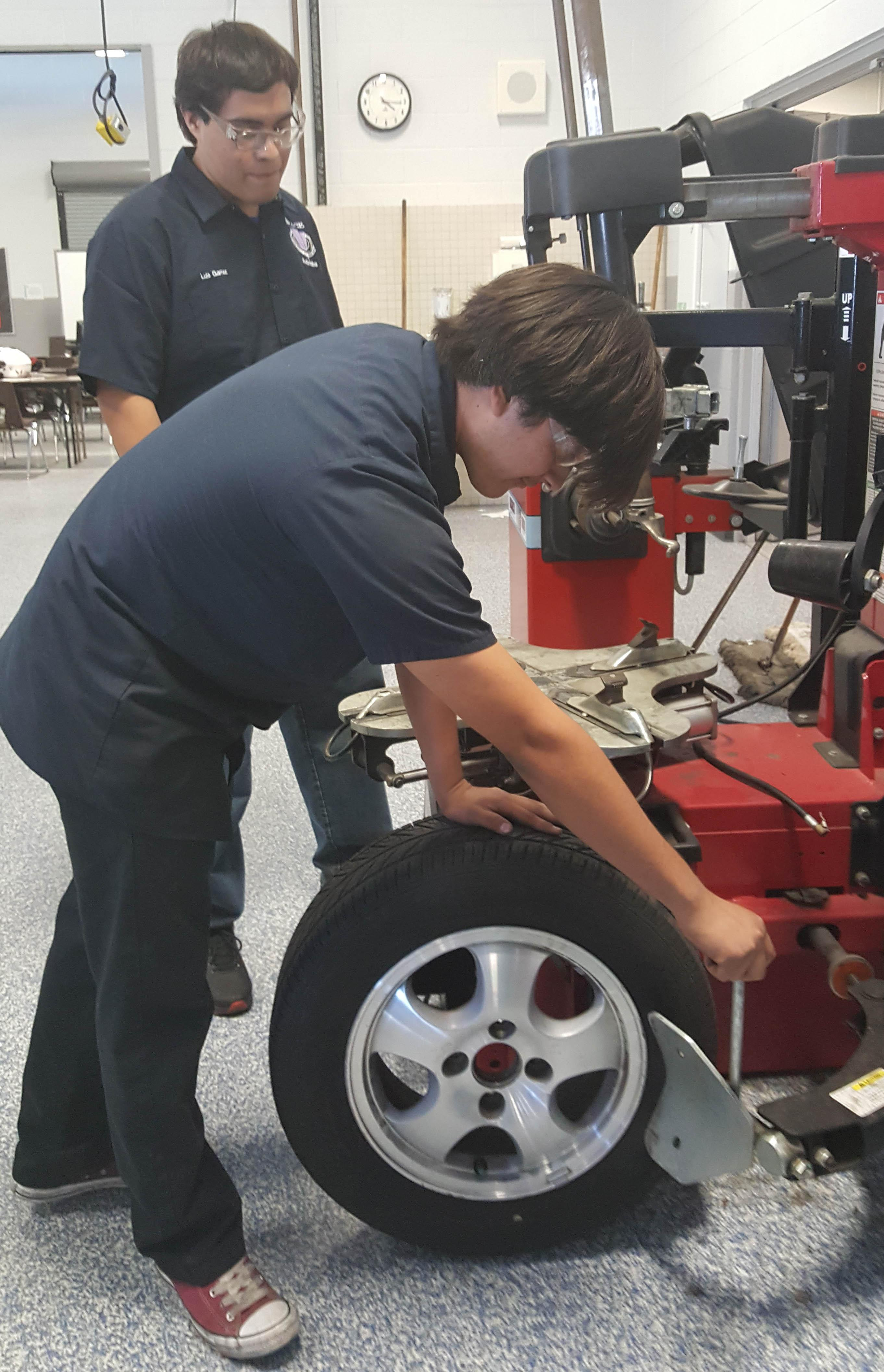 Automotive Services Tire Changing