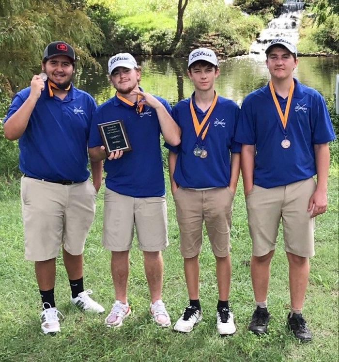 The boys' team of Ryan Meza, Nolan Crites, Travis Allen and Michael Evans took third as a team.  Allen also finished second individually.