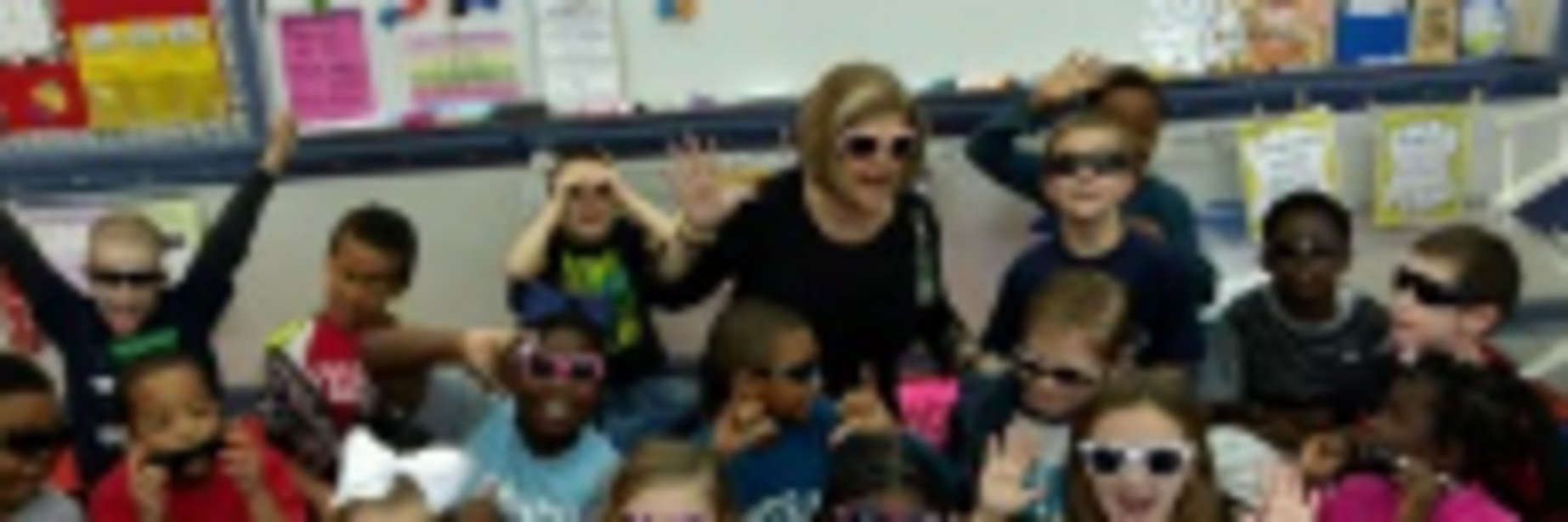 Mrs. Nolen's class in their sunglasses