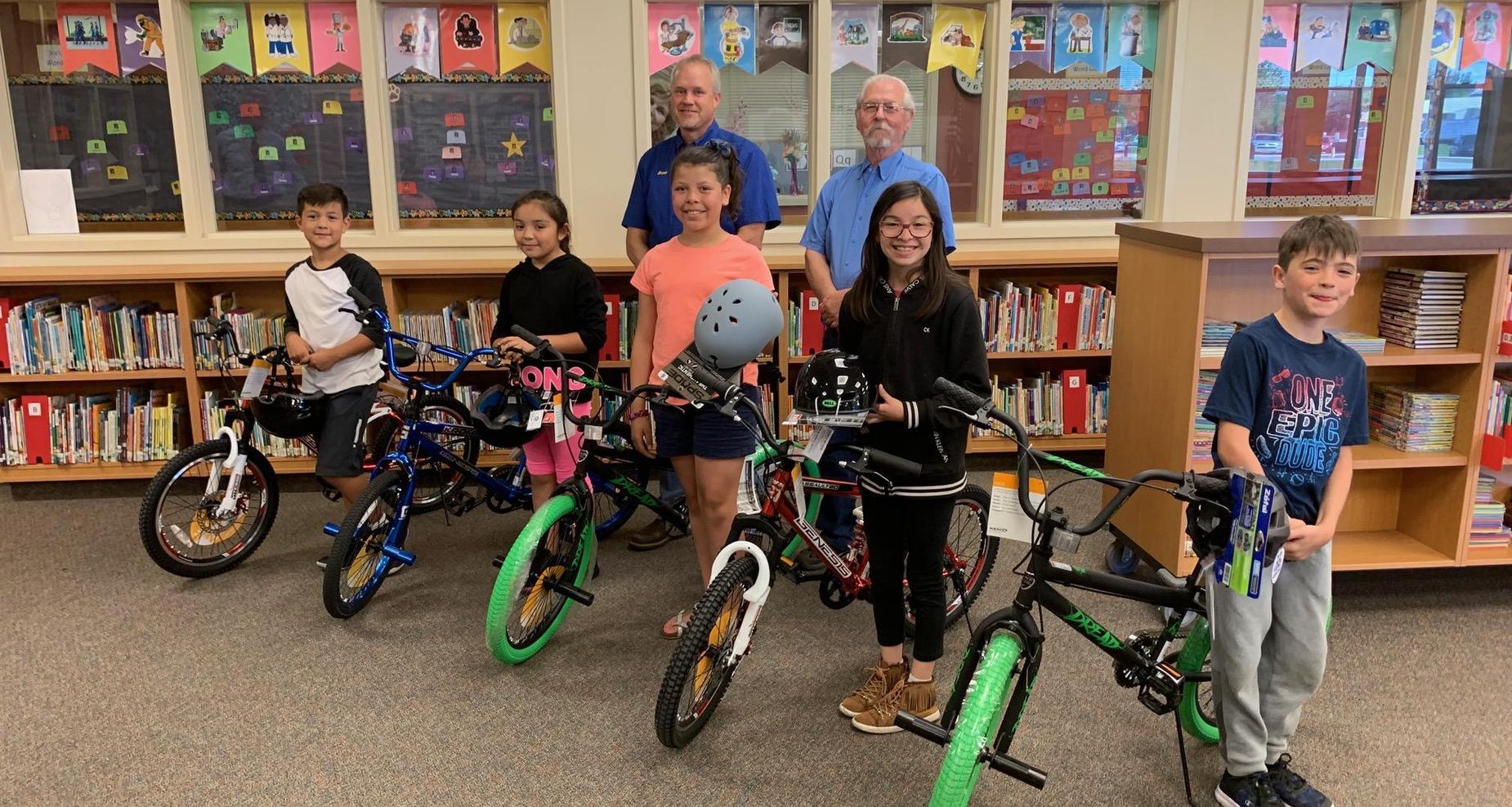 Bikes for Books winners.