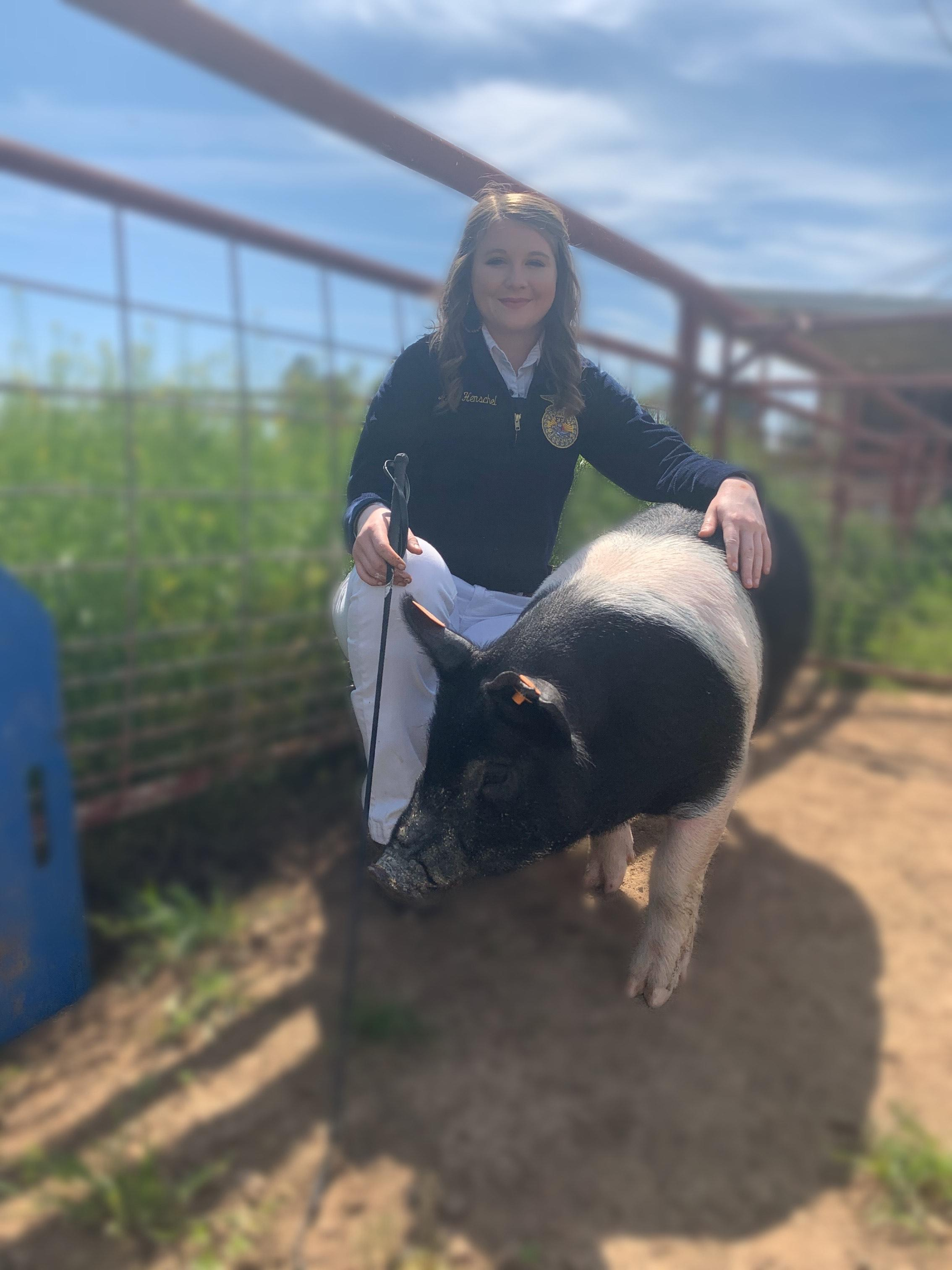 Junior Hailey Henschel with her 2020 Porterville Fair Hog