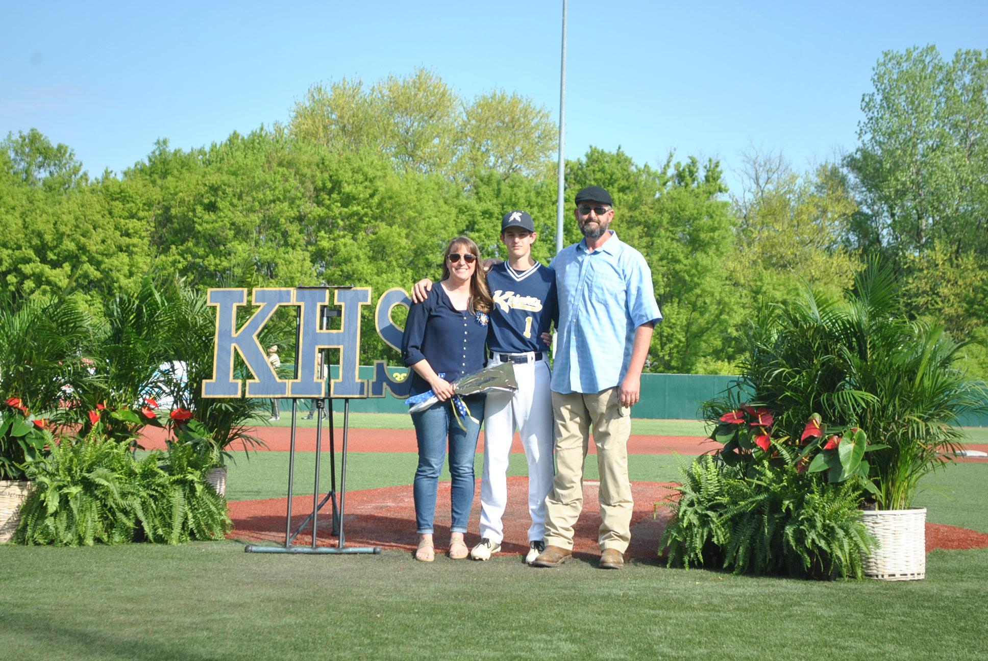 Pic of Tucker Scully and parents