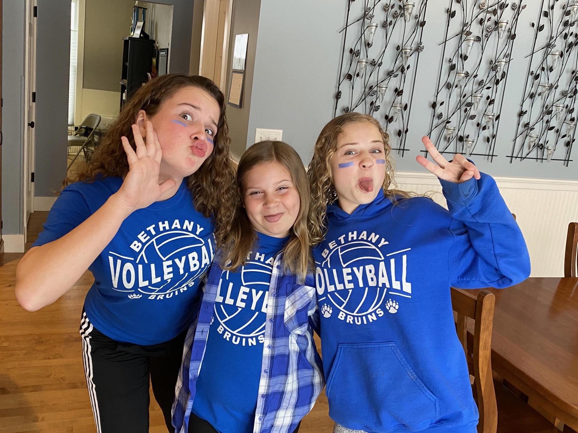 3 girls school spirit