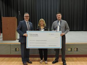 Linda Lafferty receives Highmark School Nursing Excellence Award