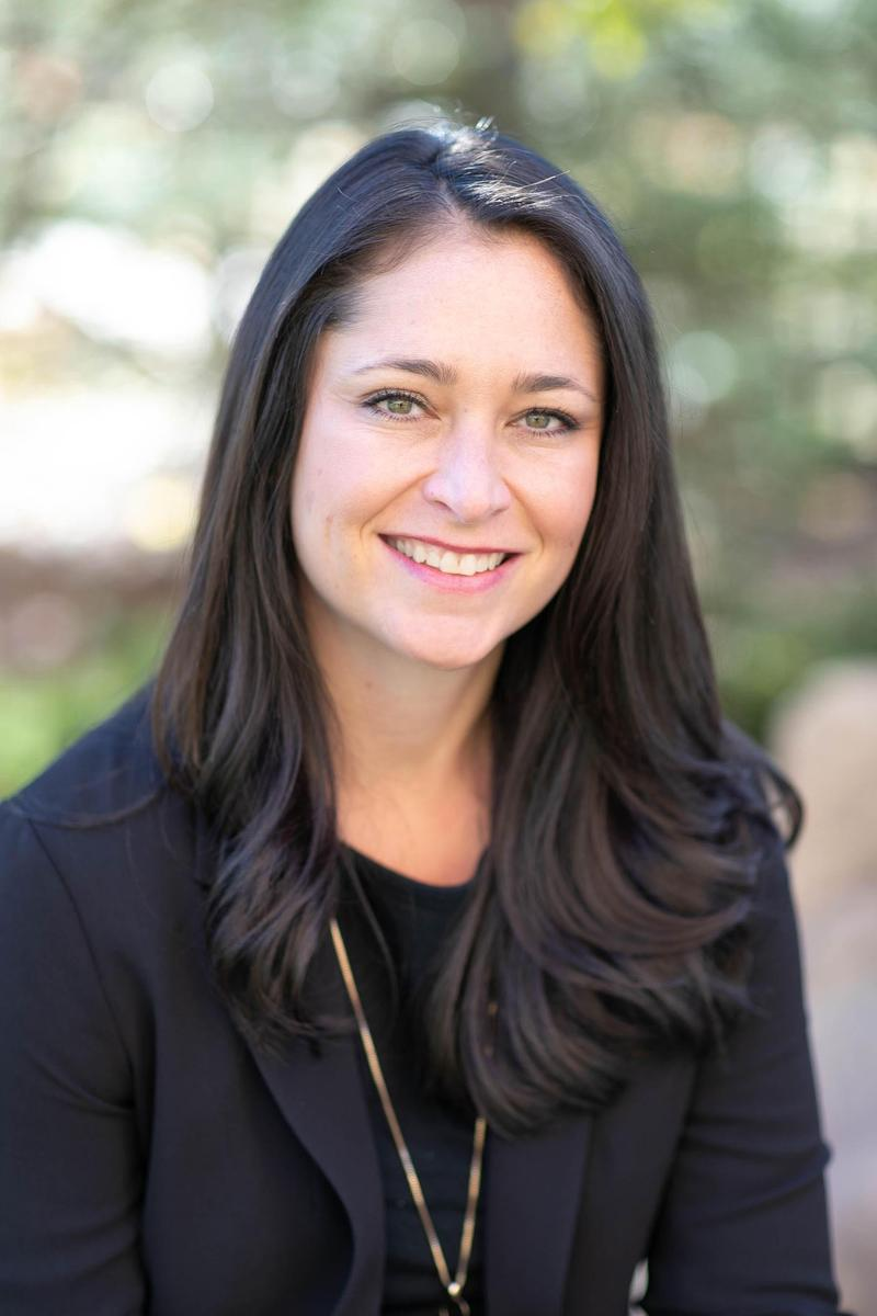 Nicole Caldwell headshot