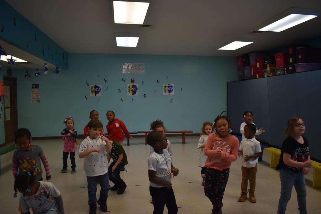 Kinder Performing Arts Class