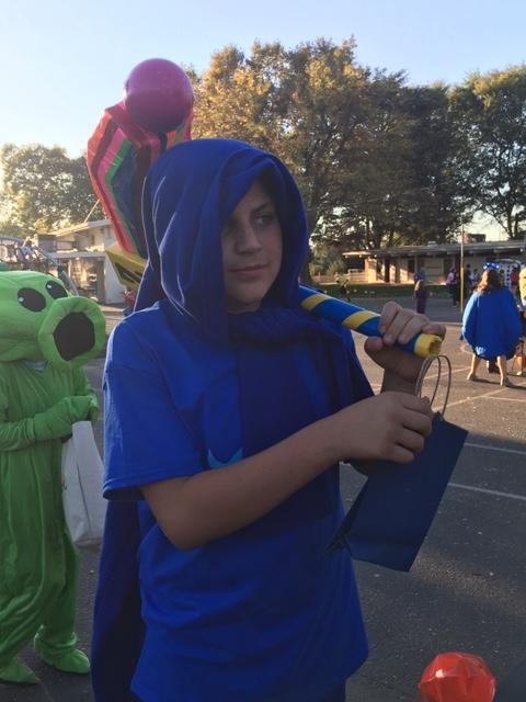 students dressed in blue halloween costume