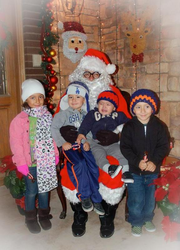 Free Santa Photos at JGHS! Featured Photo