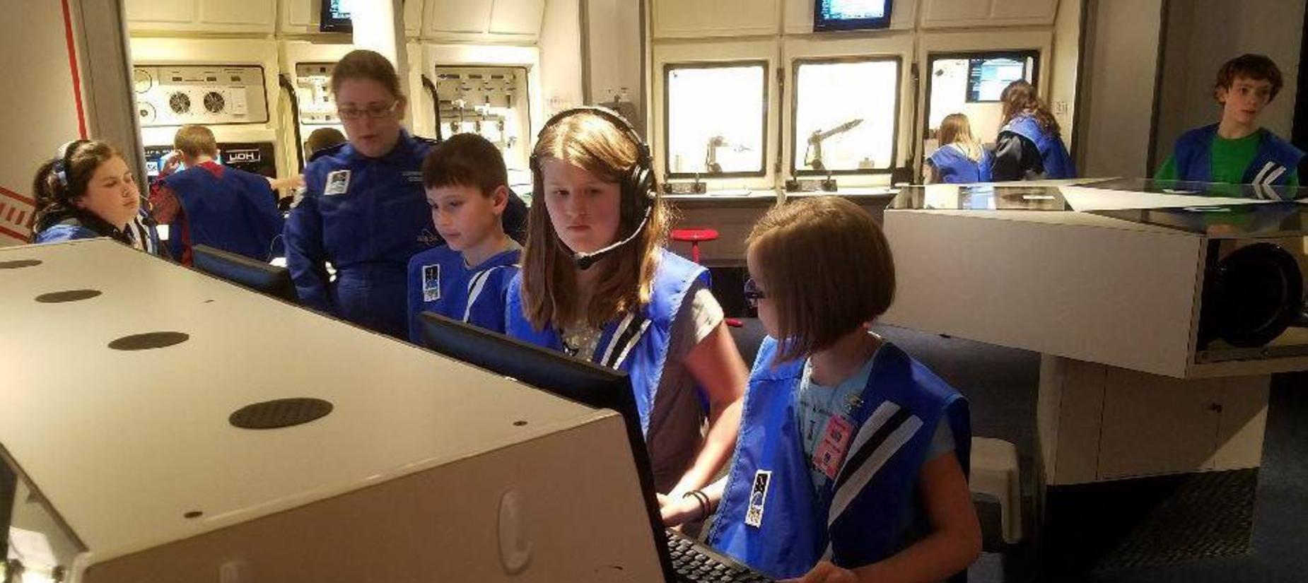 Carlinville Intermediate Students at Challenger Learning Center