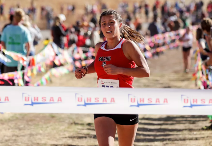 CONGRATULATIONS TO KYLAH RICKS!   3 TIME CROSS COUNTRY  STATE CHAMP !!! Featured Photo