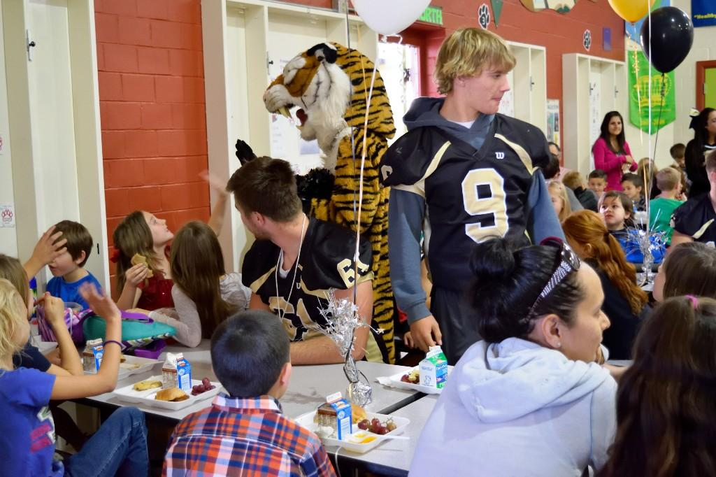 CCHS students eating with McKinley students 2