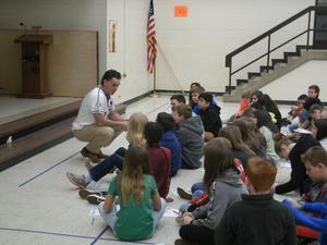 Hi-Toms representative meets with studentsl
