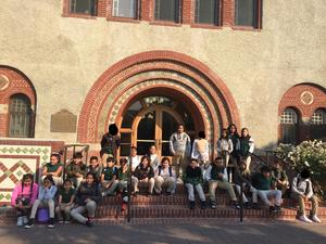 students gathered on SJSU steps