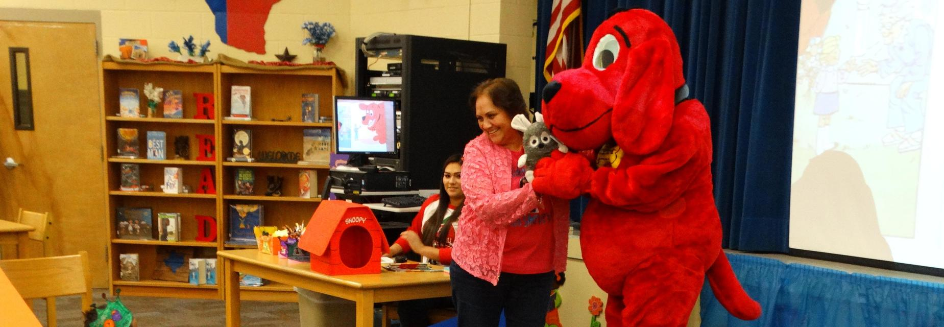 Reading with Clifford on the 100th Day of School