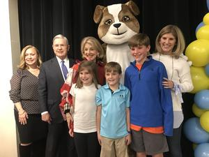 Boone family with Bulldog