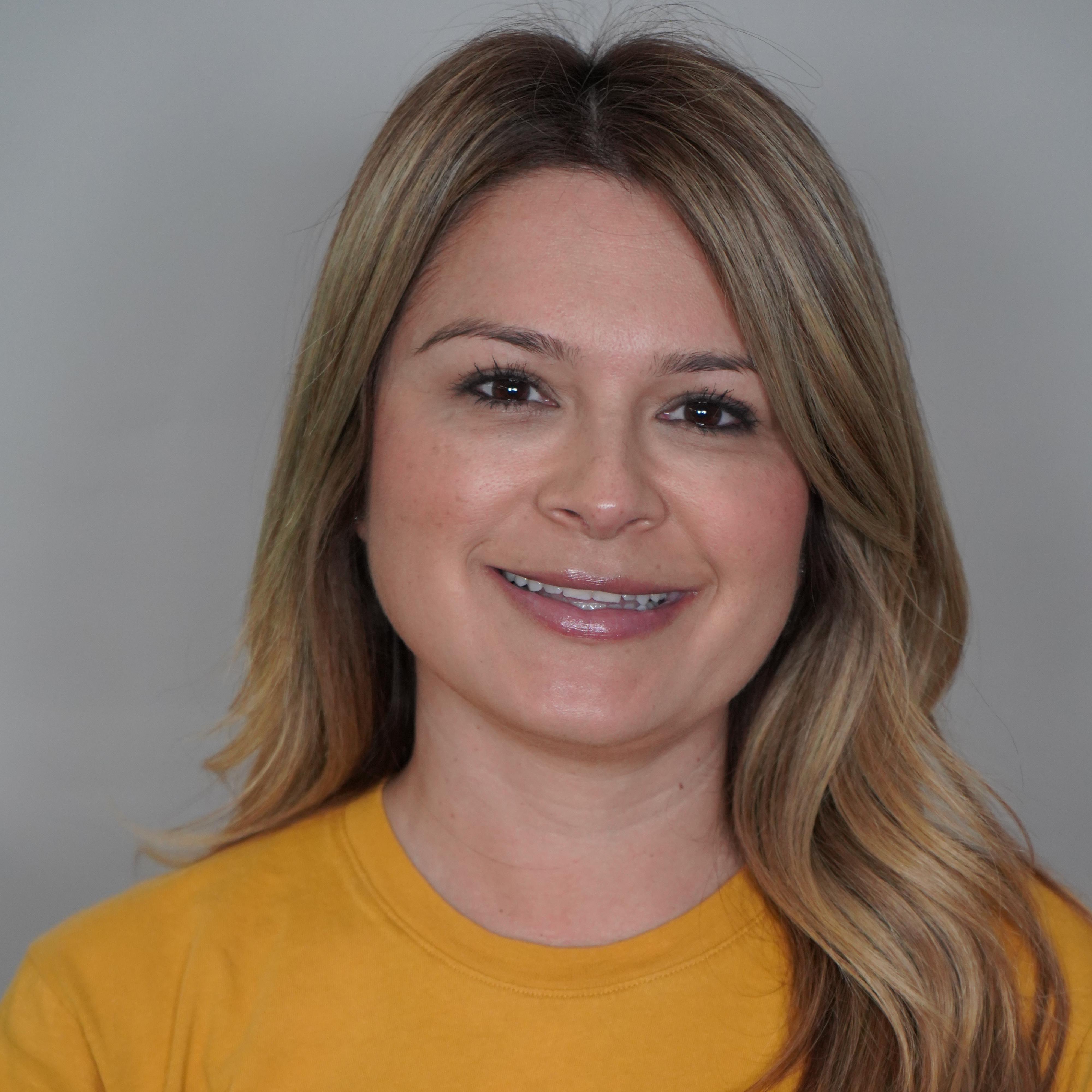 Adriana Larios's Profile Photo