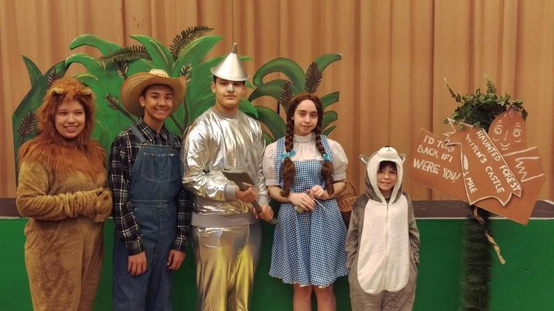 Lion, Scarecrow, Tin Man, Dorothy and Toto from the Wizard of Oz
