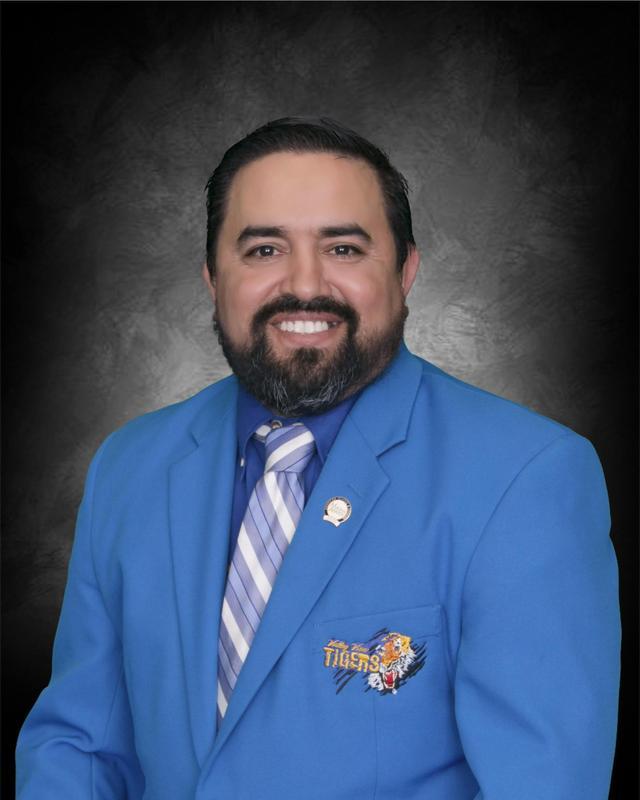 Noe Pruneda Board Vice President.jpg
