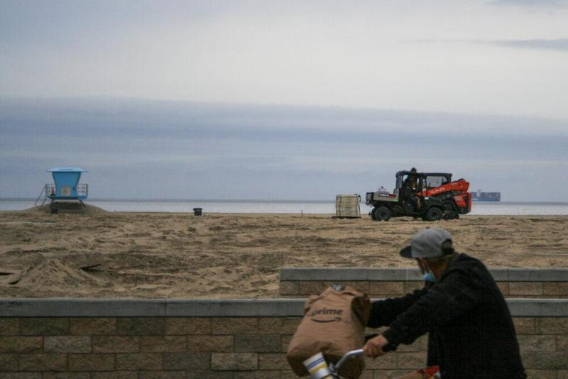 What you should know about the Huntington Beach oil spill Featured Photo